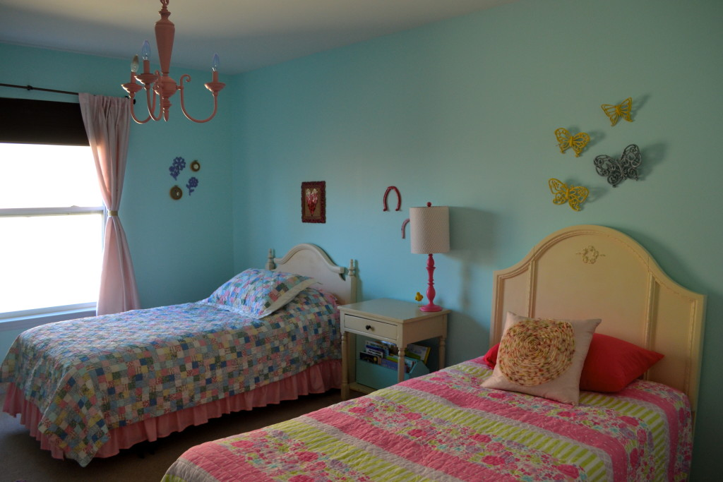 Little Girl Room Make-Over With Re-Purposed Items