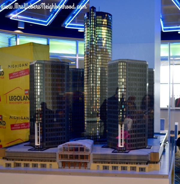 LEGOLAND Discovery Center Michigan - Detroit Renaissance Center in LEGO