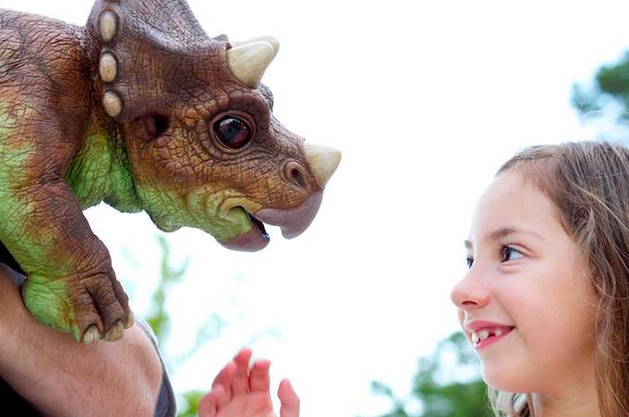 Jurassic Quest Brings Dinosaurs To Mason Michigan Feb 10 12